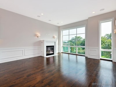 North Center – 2538 W Irving Park Rd 2W Open Saturday 11-1
