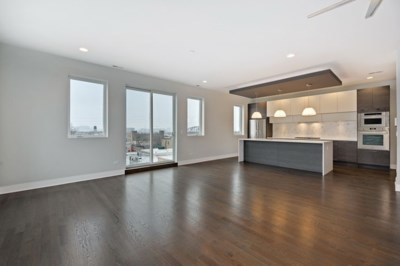 West Town – 1617 W Grand Unit 4W  Open Sunday 12-2
