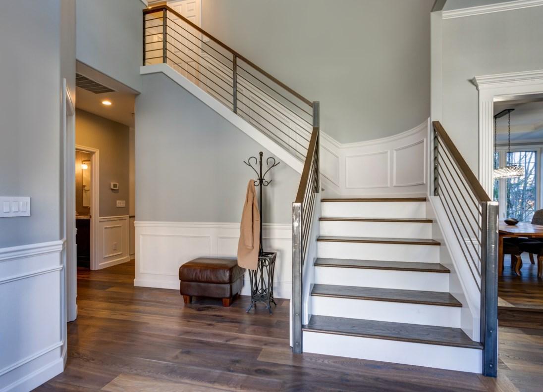 Grand center staircase